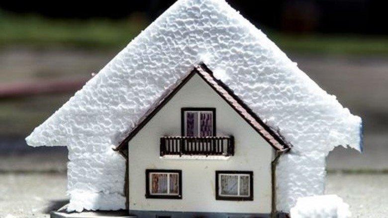 Gut eingepackt: Beim derzeitigen Tempo würde es 100 Jahre dauern, bis alle Häuser energetisch saniert sind. Foto: Roth