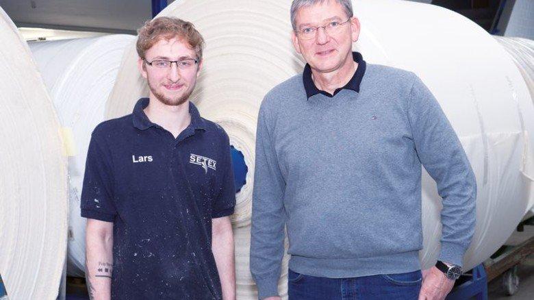 Ein Team: Ausbilder Ingo Berning beeindruckte die Ehrlichkeit des neuen Lehrlings. Foto: Egbert