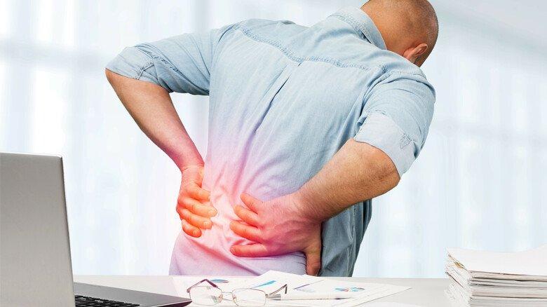 Problemzone Rückgrat: Schmerzhafte Verkrampfungen lassen sich oft mit Bewegung lösen.