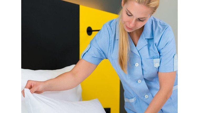 Arbeitswelt: Beschäftigte eines Hotelbetriebs.