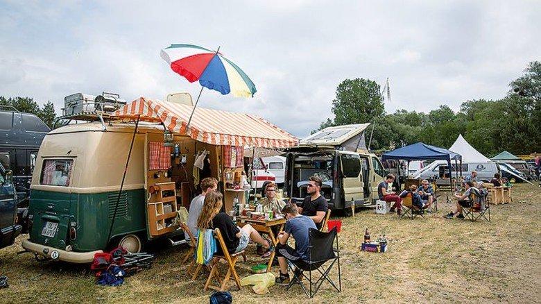 Hier ist der Name Programm: Das Immergut-Festival, das seit 2000 stattfindet, lockt jährlich rund 5.000 Besucher nach Neustrelitz im Landkreis Mecklenburgische Seenplatte. Foto: Niklas Wolter