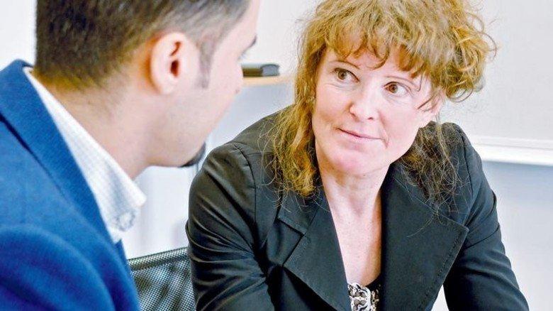 Motiviert: IdA-Navigatorin Mira Bernhart nimmt sich Zeit für jeden Einzelnen. Foto: Scheffler