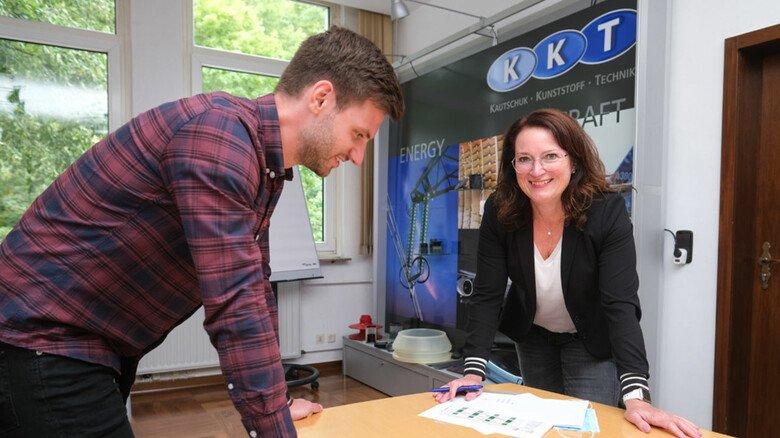 Im Austausch: Susanne Blume, Assistentin der Geschäftsleitung bei KKT in Osterode.