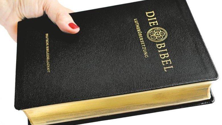 Gebundene Bibel: Sie bleibt auch im Zeitalter der Digitalisierung gefragt. Foto: Scheffler