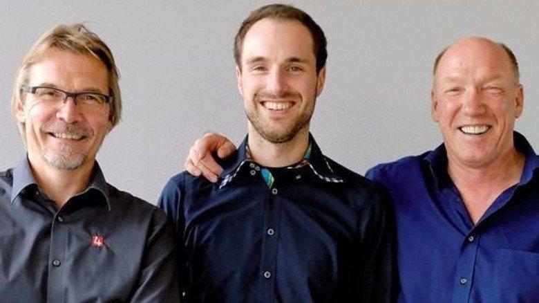Die Chefs sind gut drauf: Jürgen Möller mit Sohn David und Gisbert Lumme (von rechts). Foto: Scheffler