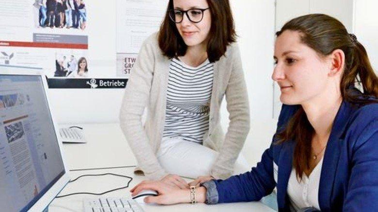 Im Fachraum: Bewerbungen schreiben ist jetzt viel einfacher. Foto: Schoenfeld