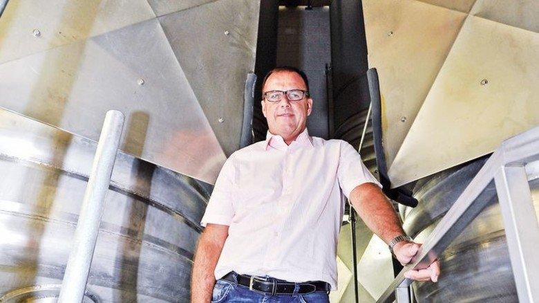 Tanklager: Geschäftsführer Hubertus Fies sorgt sich um den Nachschub. Foto: Sigwart