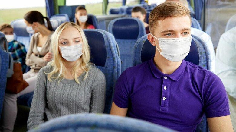 Sicherer reisen im Bus: Die Luftreinigungssysteme von Eberspächer fangen Aerosole und Viren ab.