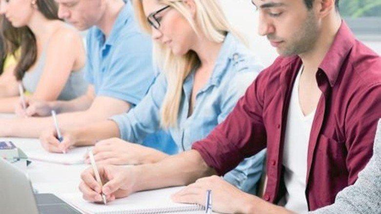 Nach der Prüfung ist sozusagen vor dem Kurs: Lebenslanges Lernen wird immer wichtiger. Foto: Fotolia
