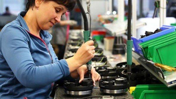 Mini: Montage der kleinsten Kochplatte der Welt. Foto: Karmann