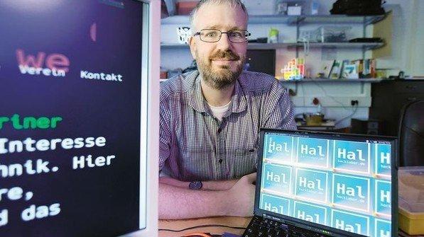 Nach Feierabend im Hack-Labor: Einmal pro Woche trifft Computer-Fan Jan Dohrn hier auf Gleichgesinnte. Foto: Augustin