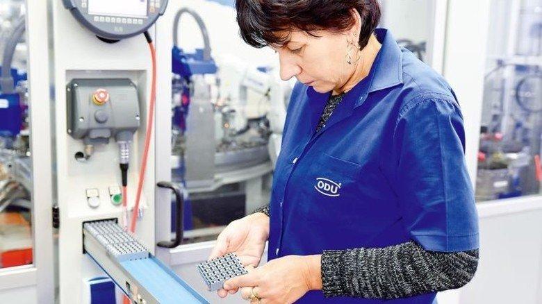Klein und wichtig: Steckverbinder von ODU vernetzen Maschinen. Foto: Werk