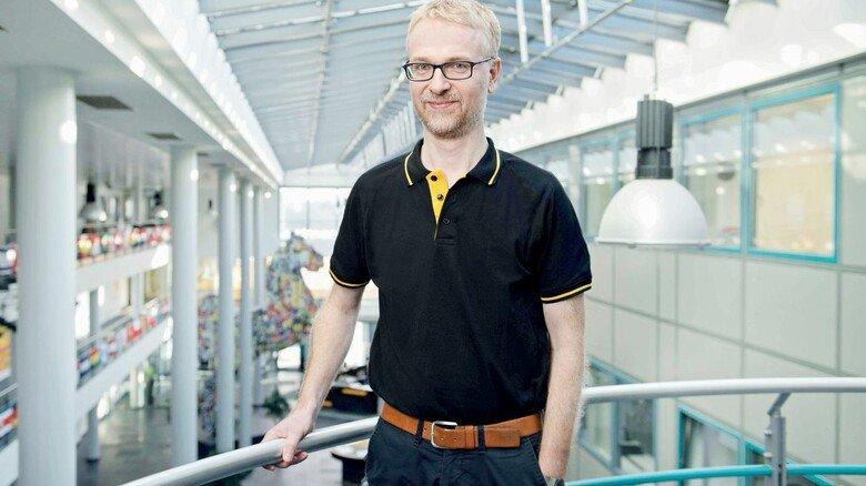 Sein Produkt wurde auch auf dem Nürburgring getestet: Entwickler Andreas Schlenke ist stolz auf den Reifen für extreme Anforderungen.