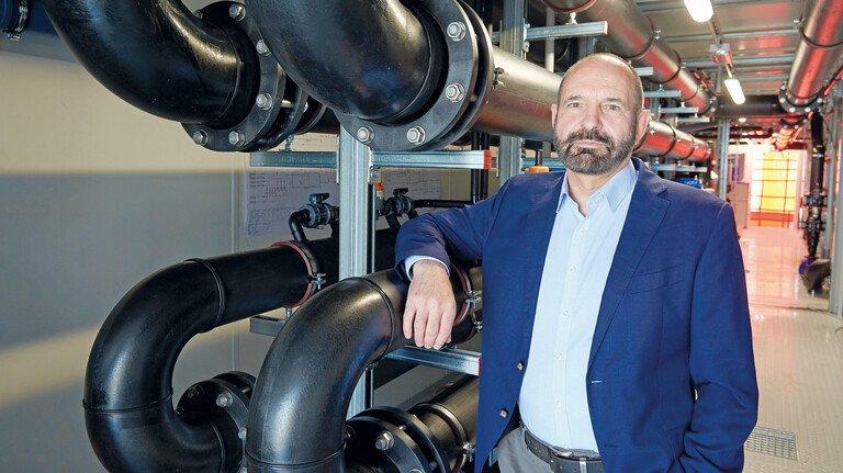 Setzt auf die Expertise des Menschen und Unterstützung der Technik: Jörg Krause, Geschäftsführer von EnviroChemie in Roßdorf.