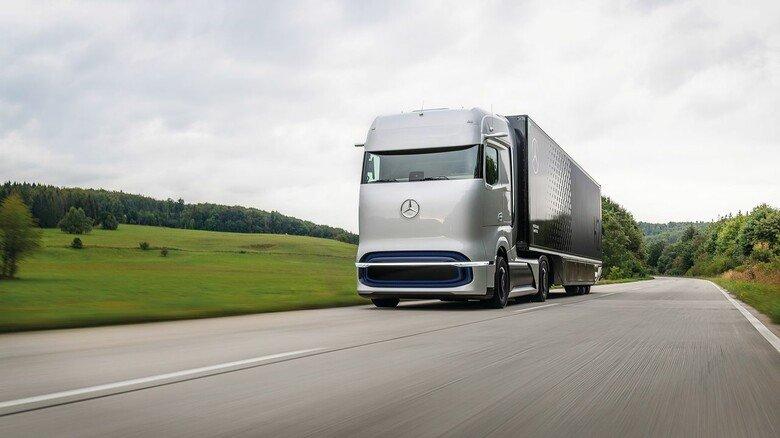 """Wasserstoff-LKW: Der """"GenH2 Truck"""" von Daimler soll künftig mit Brennstoffzelle fahren."""