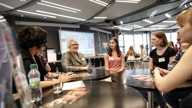 Frauen und Erfolg: Darum ging es in der Runde auf der IdeenExpo in Hannover,  an der auch Niedersachsens Sozialministerin Carola Reimann (Zweite von links) teilnahm.