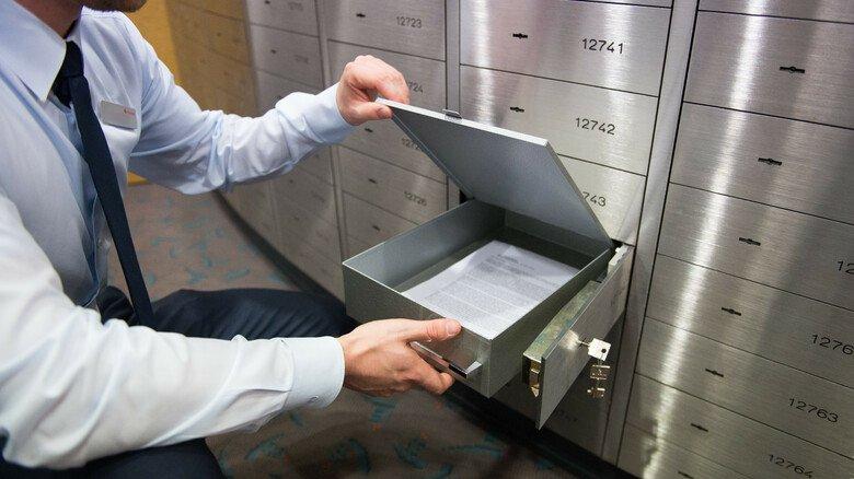 Bankschließfach: Hier sind wichtige Dokumente vor Diebstahl und Zerstörung sicher untergebracht.