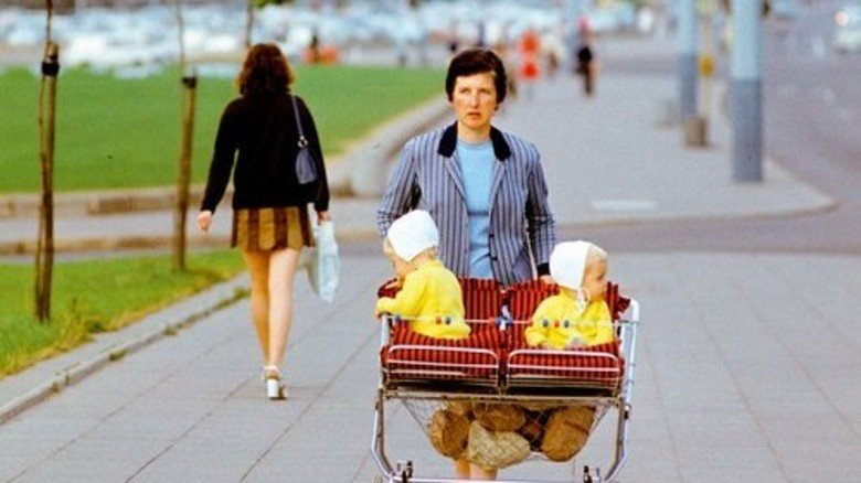 Nachschlag: Für die Betreuung eigener Kinder – hier 1970 in Ost-Berlin – gibt es jetzt mehr Rente. Foto: akg