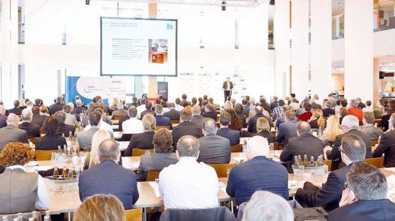 Aufmerksame Zuhörer: Knapp 250 Personalverantwortliche kamen zu der Veranstaltung in die Räume der Mainzer Opel-Arena. Foto: Scheffler