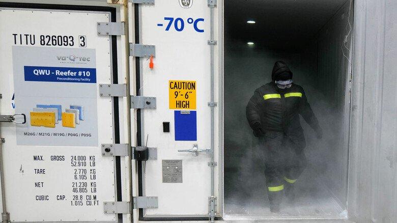 Eiskalt: In manchen Transportboxen herrschen Temperaturen von minus 70Grad. Schutzkleidung ist da ratsam.