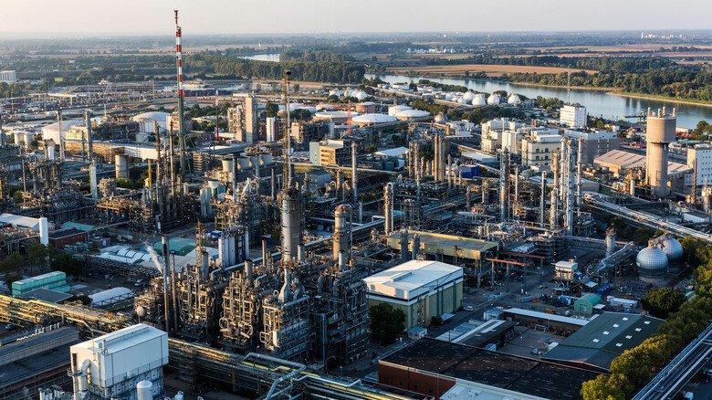 Herzstück des Produktionsverbunds: In Zukunft will die BASF solche Steamcracker mit Grünstrom beheizen.