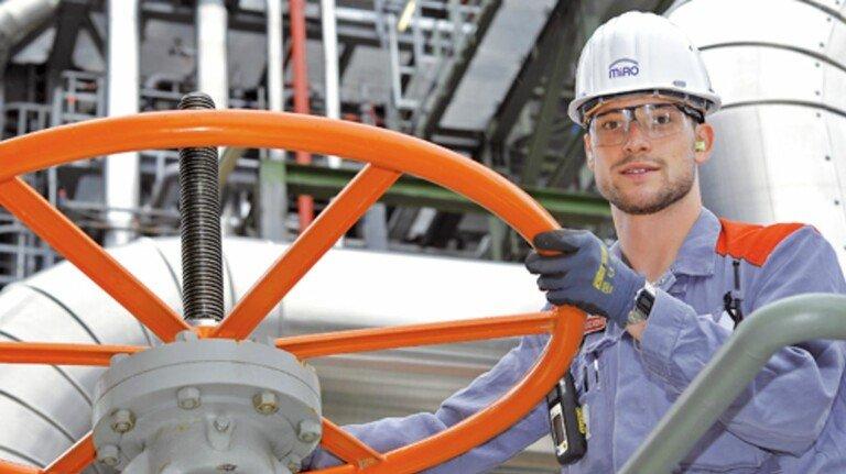 Die Chemieverbände Baden-Württemberg unterstützen die heimische Branche.