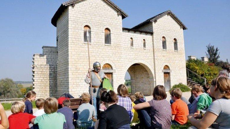 Kostümierte Erlebnisführung: Kastell Biriciana in Weißenburg. Foto: Zukunftsinitiative Altmühlfranken