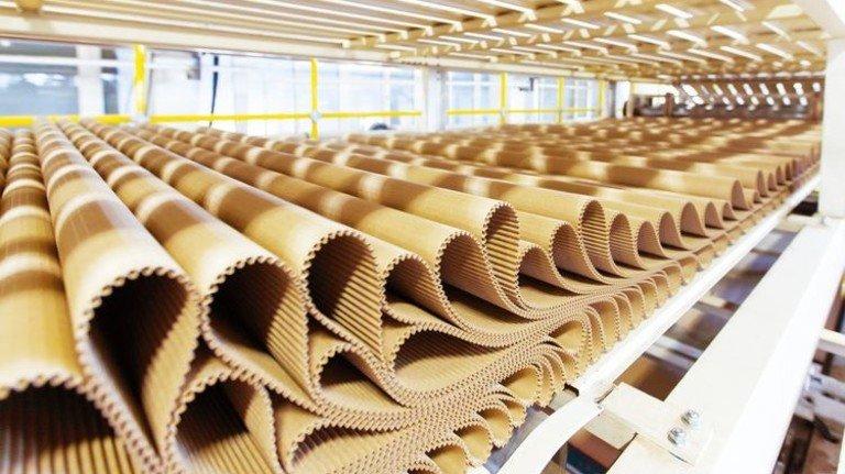 Wellpappe: Das Rohpapier ist zuletzt wieder deutlich teurer geworden. Foto: Shutterstock