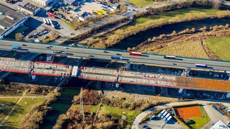 Lennetalbrücke der Autobahn BAB A45 in Hagen im Bundesland Nordrhein-Westfalen