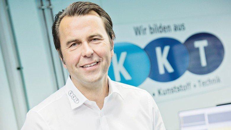 Plant schon wieder Überstunden: Geschäftsführer Andreas Sandner bei KKT.