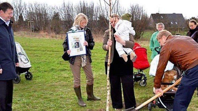 Ungewöhnliches Engagement: Stryker pflanzt für jedes neugeborene Mitarbeiter-Kind einen Baum. Foto: Werk