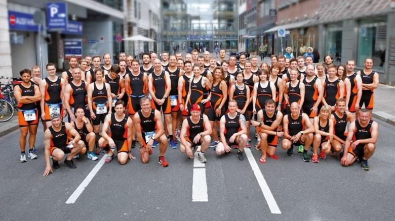 Triathlon-Truppe: Die Sprint-Starter vor dem Wettkampf. Foto: Werk