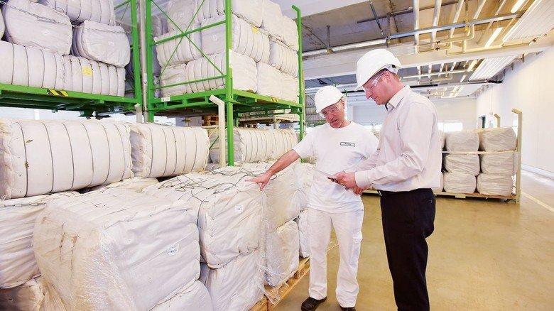 Rohstoff: Die Ginkgo-Blätter werden als folienummantelte Ballen angeliefert.