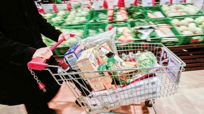 Supermarkt: Preisänderungen bei oft gekauften Waren fallen uns stärker auf. Foto: Bodmer