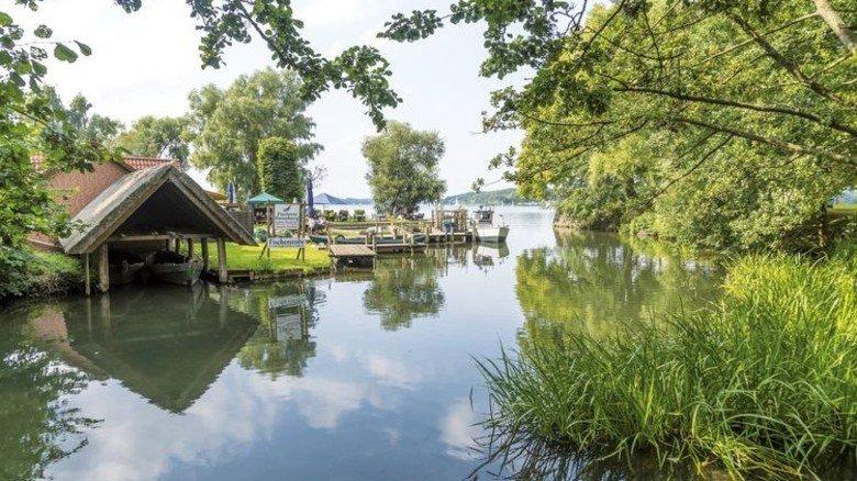 Sauberes Wasser: Das hat laut EU-Bericht auch der RatzeburgerSee in Schleswig-Holstein. Foto: dpa