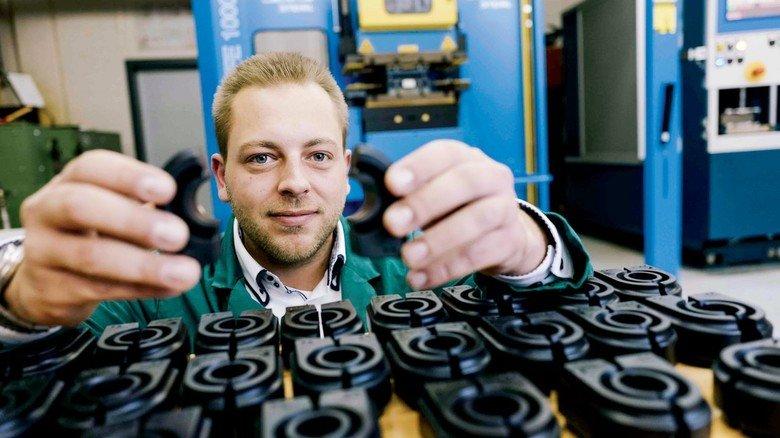 """David Bertsch, Qualitätstechniker bei Michelin: """"Gummi finde ich herausfordernder als Kunststoff."""""""
