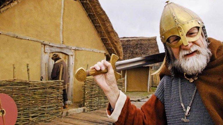 Wehrhafter Nordmann: So zogen die Wikinger seinerzeit in die Schlacht. Foto: dpa