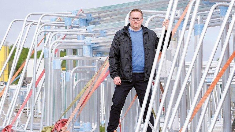 Setzt auf Qualität: Prokurist Frank Richter von Helo Sports. Das Unternehmen fertigt im Jahr 13.000 Fußballtore.