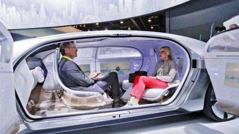 Das Auto lenkt: Auf der Messe für Unterhaltungselektronik (CES) in Las Vegas war diese deutsche Studie zu sehen. Foto: dpa