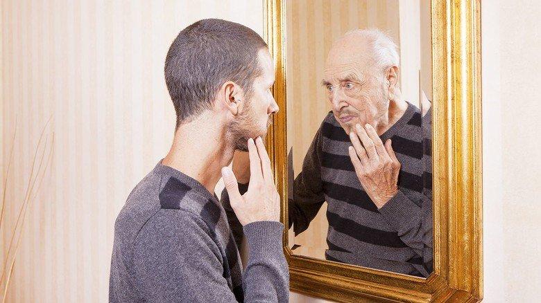 Blick in die Zukunft: Ob man den Lebensstandard im Ruhestand halten kann, ist für viele ungewiss. Wichtig ist eine solide Vorsorge – zusätzlich zur gesetzlichen Rente.
