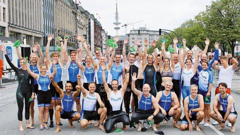 Tolle Truppe: Die Philips-Sportler gehören seit Jahren zu den Besten beim Hamburg-Triathlon. Foto: privat