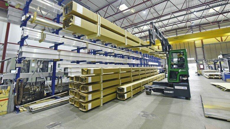Zulieferung: OTS bezieht die Alu-Profile von anderen Herstellern und bearbeitet diese dann weiter.
