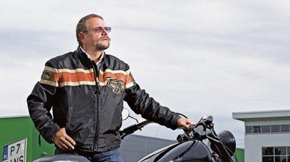 """""""Nach Polen zu gehen, war die beste Entscheidung meines Lebens."""" Hans-Jörg Otto, Kabelproduzent und Biker. Foto: Schleser"""