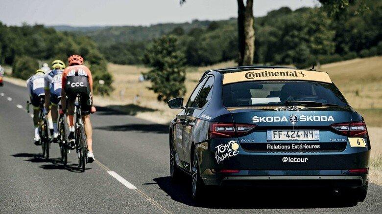 Bei der Tour de France immer dabei: Conti hat unter anderem Begleitfahrzeuge für Betreuer, Trainer und Ärzte mit Reifen ausgestattet.