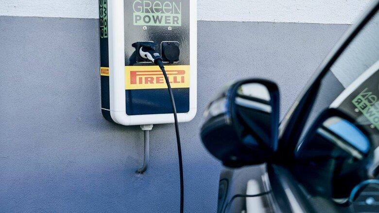 Ladestation fürs E-Auto: Der Reifenhersteller lebt Nachhaltigkeit auf vielen Ebenen.