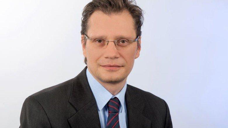 """""""Die Wertschöpfungsverluste würden bis zu 7,5 Milliarden Euro pro Jahr betragen."""" Holger Schäfer, Arbeitsmarktexperte am Institut der deutschen Wirtschaft Köln (IW). Foto: Straßmeier"""