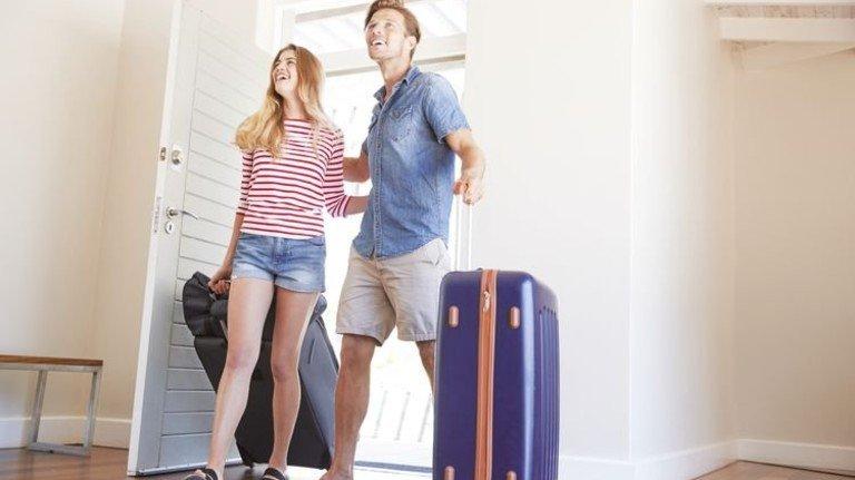 Tolles Zimmer, Schatz: Mit jungen Touristen macht so mancher ein paar Euro extra… Foto: Adobe Stock