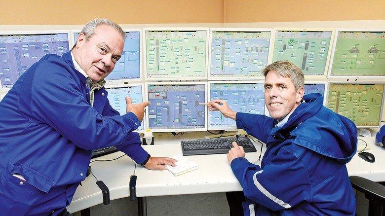 Messwarte: Timimi und Andreas Schneider sprechen über Anlagensicherheit (nachgestellt).