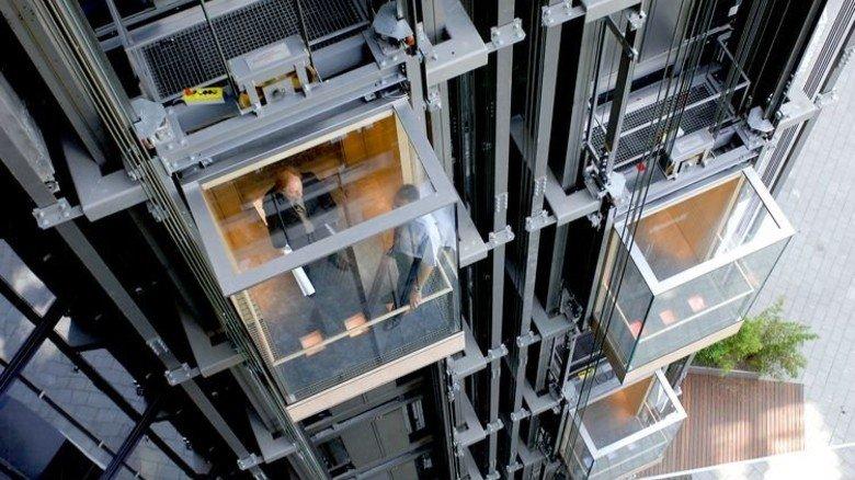 """Aufzugtechnik: 27 Prozent Energie kann das Modell """"Twin"""" von ThyssenKrupp sparen, bei dem zwei Kabinen in einem Schacht fahren. Foto: Werk"""