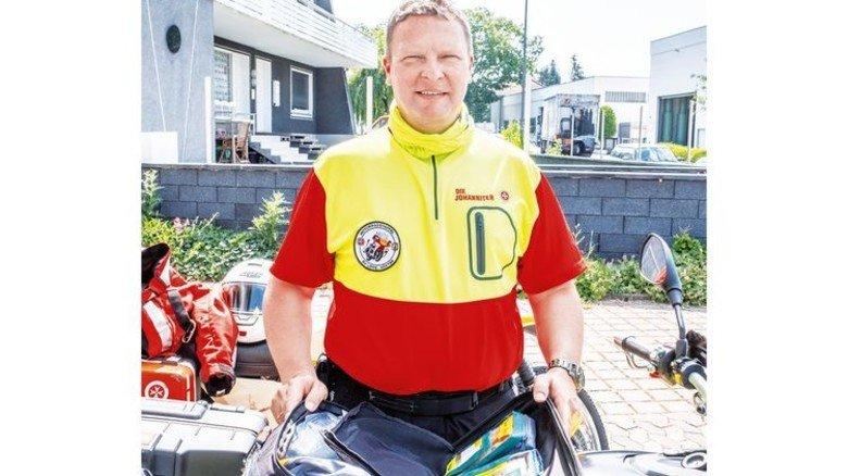 Perfekt ausgestattet: In Beckmanns Motorradtasche steckt die Ersthelfer-Ausrüstung. Foto: Roth